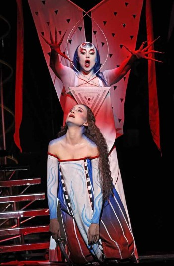 The Magic Flute. Taryn Fiebig and Lorina Gore. Photo by Jeff Busb