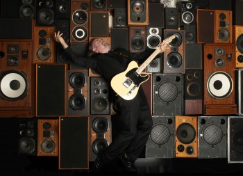 Bill_Bailey_amp_stack_by_Andy_Hollingworth