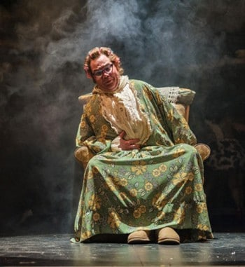 Leon Cain in George's Marvellous Medicine - shake and stir. Photography Dylan Evans.