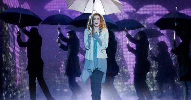 Molly Jensen (Cassie Levy) in Ghost the Musical, photo credit Sean Ebsworth Barnes