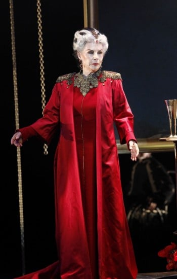 MTC Queen Lear. Photo by Jeff Busby
