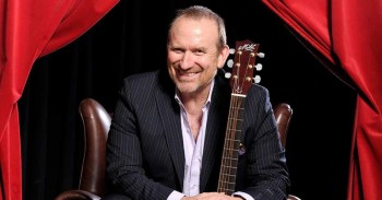 Colin Hay. Finding my Dance
