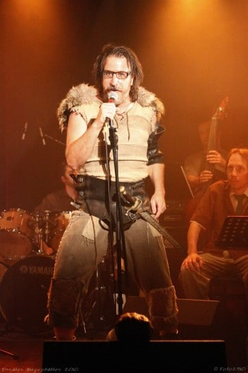 Jason Craig as Beowulf. Photo by Chloe Laetitia Thomas