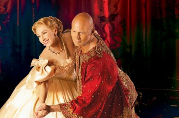 Lisa McCune and Teddy Tahu Rhodes will star in The King and I for Opera Australia.