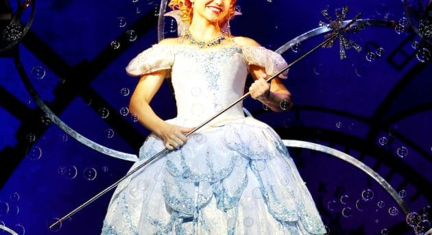 Suzie Mathers as Glinda. Image by Maye-E Wong