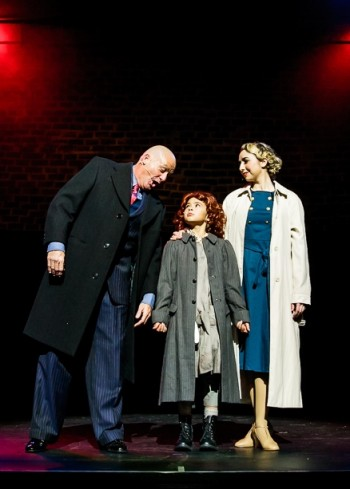 Annie by Packemin Productions. Photo by Grant Leslie.