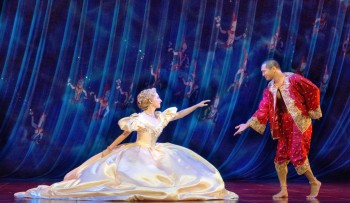 The King and I - Lisa McCune and Jason Scott Lee. Image by Oliver Toth