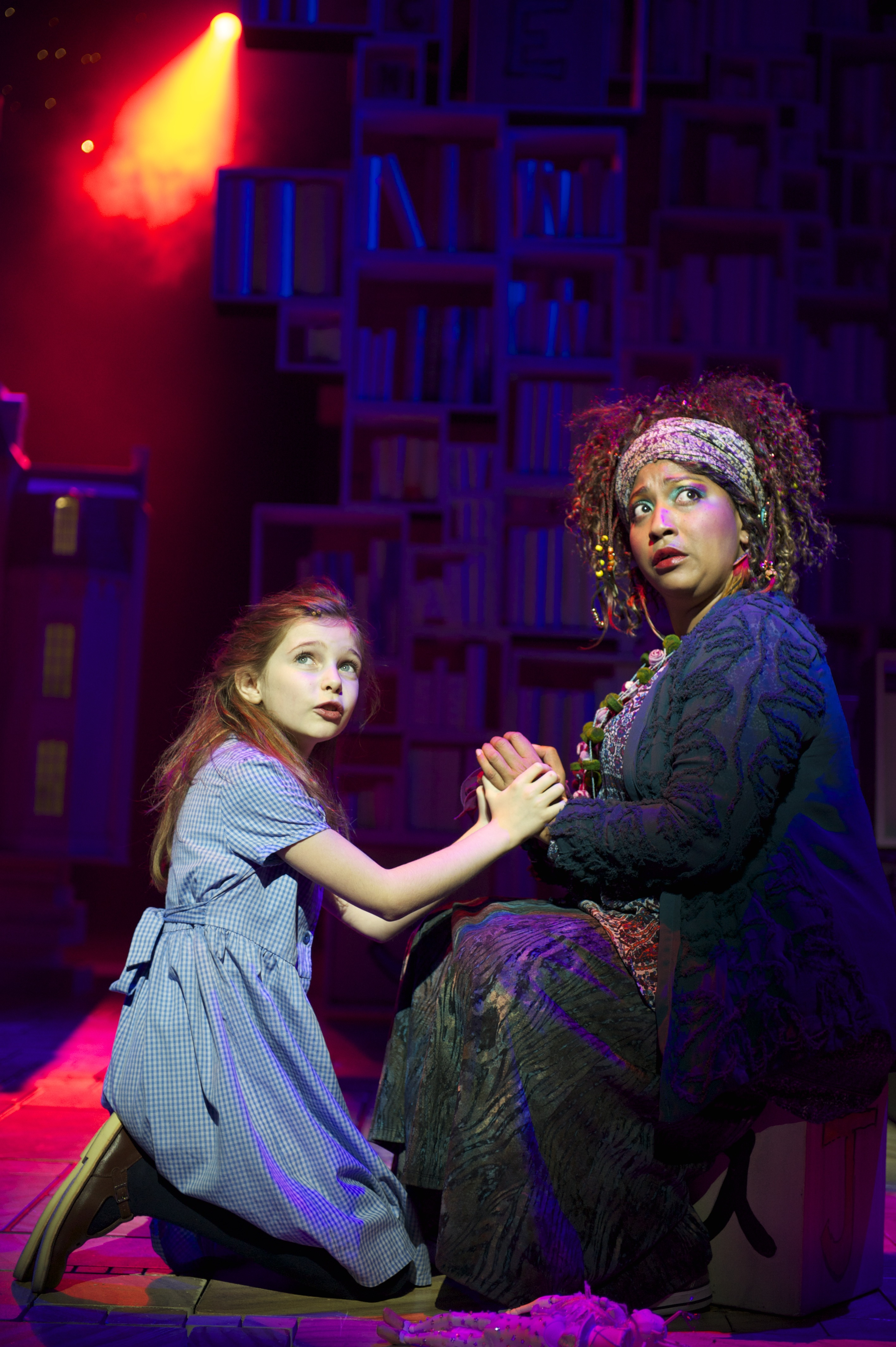 Eleanor Worthington Cox as Matilda and Melanie La Barrie as Mrs Phelps in Matilda The Musical. Photo by Manuel Harlan.