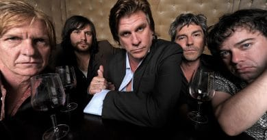 Tex Perkins and the Dark Horses. Photo by Martin Philbey.