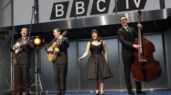 Phillip Lowe, Mike McLeish, Glaston Toft, and Pippa Grandison as The Seekers