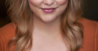 Lauren McKenna. Image by Marnya Rothe.