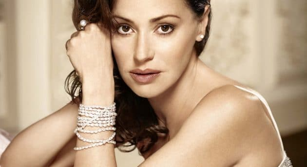Tina Arena will play Eva Peron in Evita.