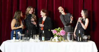 Riverside Theatres Digital presents A TABLE FOR SIX, PLEASE! A celebration of Australia's leading ladies